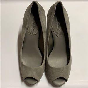Banana republic gray suede peep toe pumps 6
